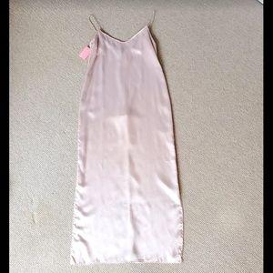 Dresses & Skirts - NWT Champagne silk long slip dress sz 10